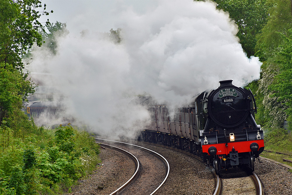 Picture of the Flying Scotsman steam locomotive closing in