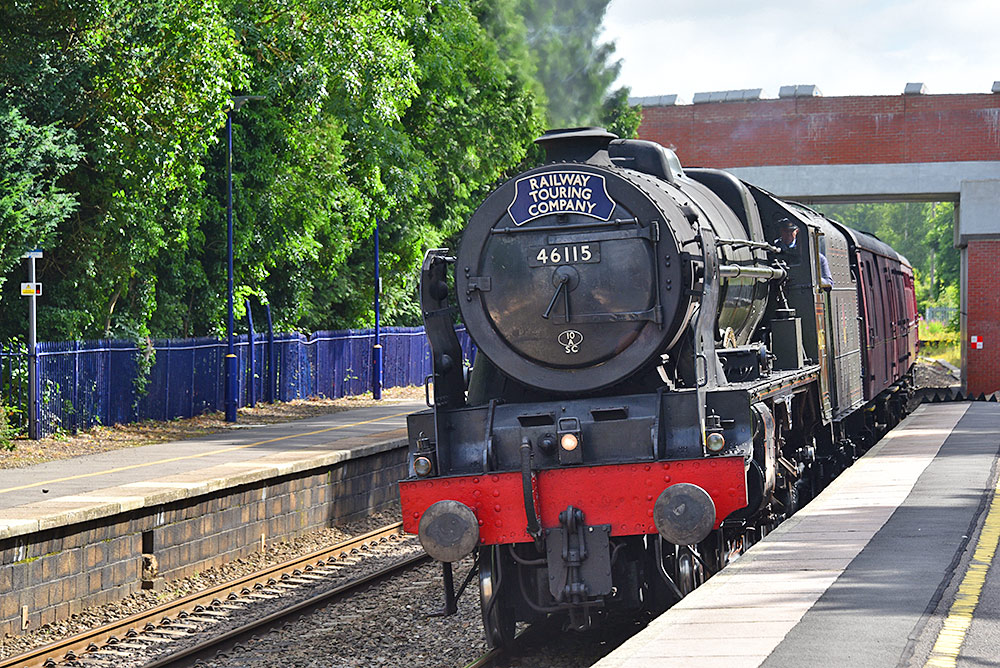 Picture of the steam locomotive Scots Guardsman in Aldermaston Station