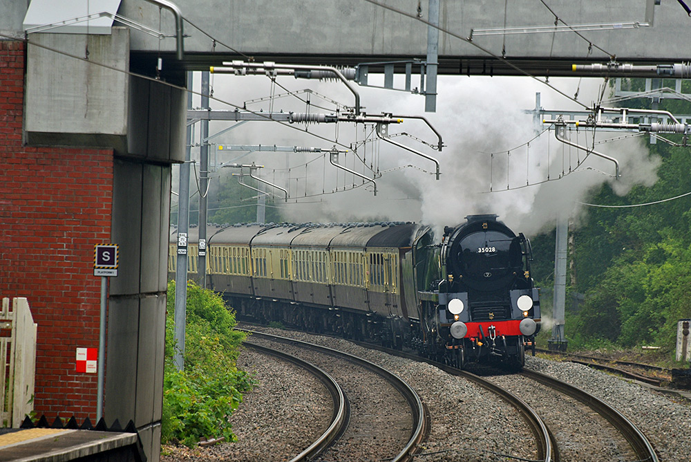Picture of a steam train approaching